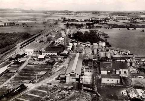 vue aerienne de la verrerie de gironcourt vers 1950